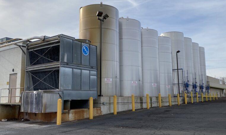 Mueller 20,000 gallon vertical jacketed tanks a